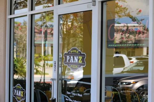 Pizza Panz Pizza Storefront 2